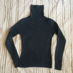 GAP black turtleneck